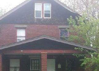 Casa en ejecución hipotecaria in Canton, OH, 44706,  PARK AVE SW ID: F4405701