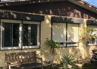 Casa en ejecución hipotecaria in Jensen Beach, FL, 34957,  NE SILVER MAPLE WAY ID: F4406175