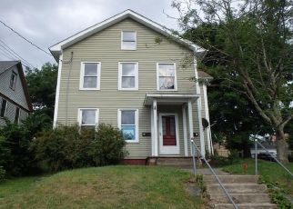 Casa en ejecución hipotecaria in Jewett City, CT, 06351,  MATHEWSON ST ID: F4406434