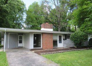 Casa en ejecución hipotecaria in Florissant, MO, 63033,  SAINT ANTHONY LN ID: F4406701