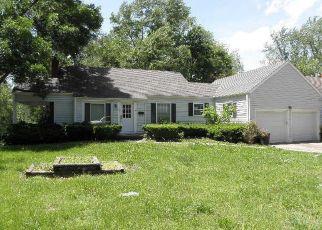 Casa en ejecución hipotecaria in Richmond, MO, 64085,  S SHAW ST ID: F4406787