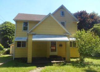 Casa en ejecución hipotecaria in Lake City, PA, 16423,  MAPLE AVE ID: F4407109