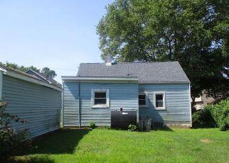 Casa en ejecución hipotecaria in Feasterville Trevose, PA, 19053,  E MYRTLE AVE ID: F4407862