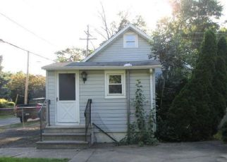 Casa en ejecución hipotecaria in Croydon, PA, 19021,  WYOMING AVE ID: F4407884