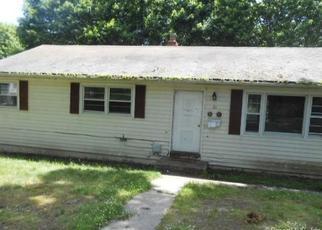 Casa en ejecución hipotecaria in East Haven, CT, 06512,  HILLSIDE AVE ID: F4407983