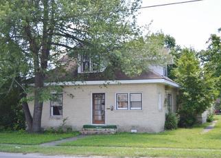 Casa en ejecución hipotecaria in Dexter, MO, 63841,  E STODDARD ST ID: F4408356