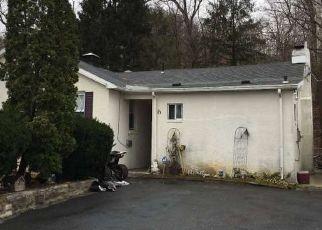 Casa en ejecución hipotecaria in Reading, PA, 19605,  SPRING VALLEY RD ID: F4408781