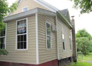 Casa en ejecución hipotecaria in Syracuse, NY, 13206,  CALEB AVE ID: F4409015