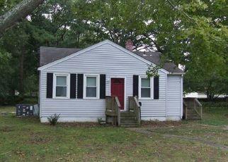 Casa en ejecución hipotecaria in Newport News, VA, 23605,  HILTON BLVD ID: F4409113