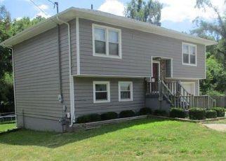 Casa en ejecución hipotecaria in Marshall, MO, 65340,  S LINCOLN AVE ID: F4410261