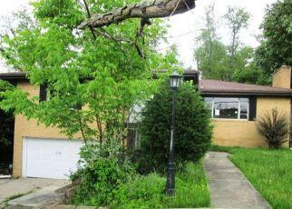 Casa en ejecución hipotecaria in Mckeesport, PA, 15131,  CIRCLE DR ID: F4410624