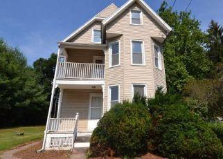 Casa en ejecución hipotecaria in Meriden, CT, 06450,  HICKS ST ID: F4410842