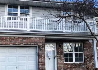 Casa en ejecución hipotecaria in Central Islip, NY, 11722,  SPRINGFIELD CIR ID: F4411304