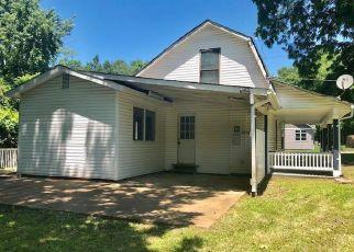 Casa en ejecución hipotecaria in Valley Park, MO, 63088,  BOYD AVE ID: F4411356