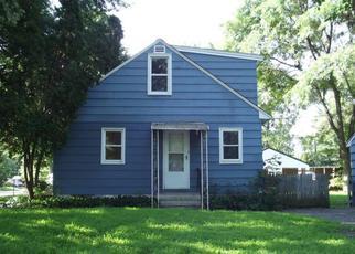Casa en ejecución hipotecaria in Circle Pines, MN, 55014,  CENTER RD ID: F4411759