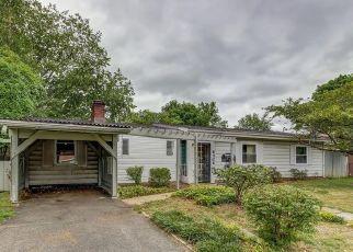 Casa en ejecución hipotecaria in Springfield, VA, 22150,  ALAMO ST ID: F4412895