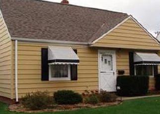 Casa en ejecución hipotecaria in Euclid, OH, 44123,  E 232ND ST ID: F4413325