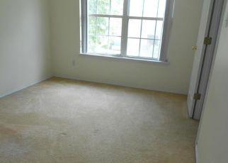 Casa en ejecución hipotecaria in Florissant, MO, 63034,  ROBBINS GROVE DR ID: F4416175