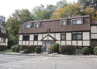 Casa en ejecución hipotecaria in Derby, CT, 06418, B SILVER HILL RD ID: F4417693