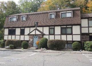 Casa en ejecución hipotecaria in Derby, CT, 06418, B SILVER HILL RD ID: F4417957