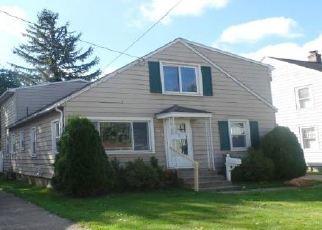 Casa en ejecución hipotecaria in Erie, PA, 16504,  E 34TH ST ID: F4419011