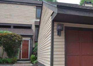 Casa en ejecución hipotecaria in Brookfield, CT, 06804,  COMSTOCK TRL ID: F4419506