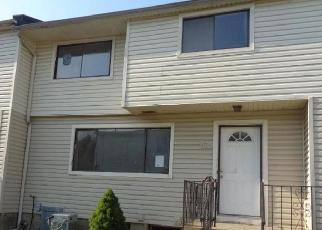 Casa en ejecución hipotecaria in Staten Island, NY, 10314,  WILLOW RD E ID: F4419965
