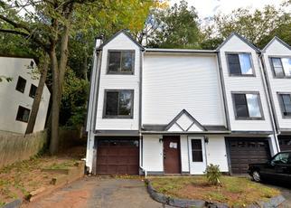 Casa en ejecución hipotecaria in East Haven, CT, 06512,  WOODWARD AVE ID: F4420269