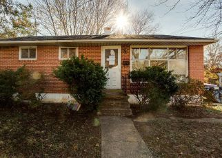 Casa en ejecución hipotecaria in Lutherville Timonium, MD, 21093,  GREENSPRING DR ID: F4421552
