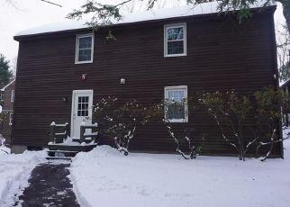 Casa en ejecución hipotecaria in Avon, CT, 06001,  OLD FARMS RD ID: F4422047
