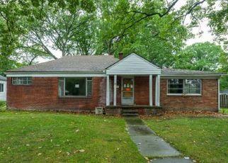 Casa en ejecución hipotecaria in Oak Park, MI, 48237,  WESTHAMPTON ST ID: F4422970