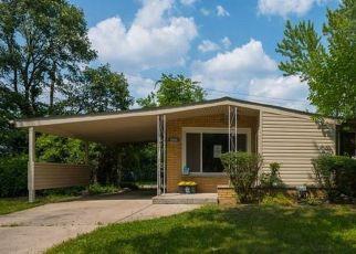Casa en ejecución hipotecaria in Oak Park, MI, 48237,  NORTHFIELD BLVD ID: F4422977