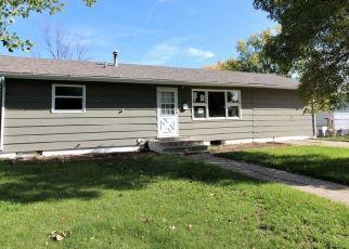 Casa en ejecución hipotecaria in Glendive, MT, 59330,  2ND ST ID: F4423219