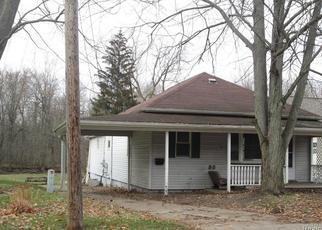 Casa en ejecución hipotecaria in Saint Charles, MI, 48655,  W BELLE AVE ID: F4423512