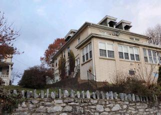 Casa en ejecución hipotecaria in Harrisburg, PA, 17104,  DERRY ST ID: F4424234