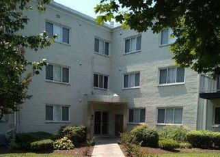 Casa en ejecución hipotecaria in Hyattsville, MD, 20782,  CHILLUM RD ID: F4424769