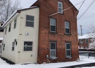 Casa en ejecución hipotecaria in Windsor Locks, CT, 06096,  CENTER ST ID: F4424838
