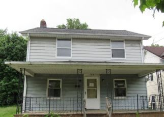 Casa en ejecución hipotecaria in Akron, OH, 44320,  WHITTIER AVE ID: F4432446