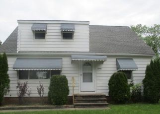Casa en ejecución hipotecaria in Maple Heights, OH, 44137,  RAMAGE AVE ID: F4435085