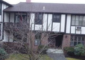 Casa en ejecución hipotecaria in Valley Cottage, NY, 10989,  SIERRA VISTA LN ID: F4435455