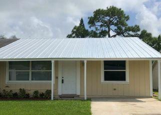 Casa en ejecución hipotecaria in Stuart, FL, 34997,  SE VILLAGE RD ID: F4436270