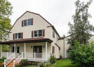 Casa en ejecución hipotecaria in Earleville, MD, 21919,  THIRD AVE ID: F4437069