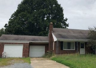 Casa en ejecución hipotecaria in Louisville, OH, 44641,  N CHAPEL ST ID: F4439446