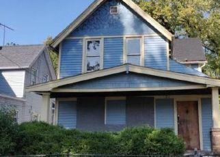 Casa en ejecución hipotecaria in Cleveland, OH, 44103,  CARL AVE ID: F4443241