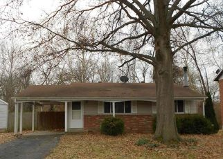 Casa en ejecución hipotecaria in Maryland Heights, MO, 63043,  MARS LN ID: F4443929