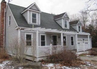 Casa en ejecución hipotecaria in Moodus, CT, 06469,  ALGONQUIN TRL ID: F4444238