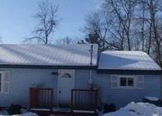 Casa en ejecución hipotecaria in Baldwinsville, NY, 13027,  SURBROOK RD ID: F4444598