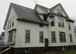 Casa en ejecución hipotecaria in Pulaski, NY, 13142,  LAKE ST ID: F4444659