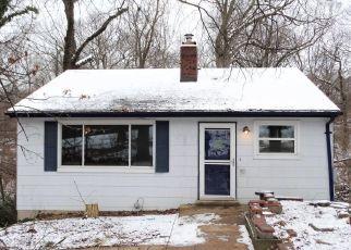 Casa en ejecución hipotecaria in High Ridge, MO, 63049,  HUNNING RD ID: F4444714
