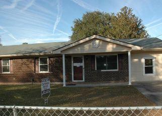Casa en ejecución hipotecaria in Hinesville, GA, 31313,  OLIVE ST ID: F4446286